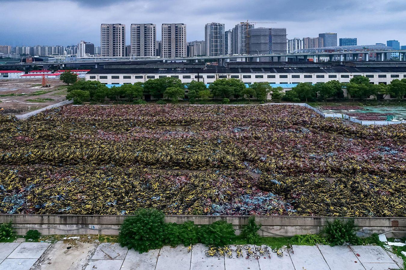 cimetière de vélos libre service en Chine